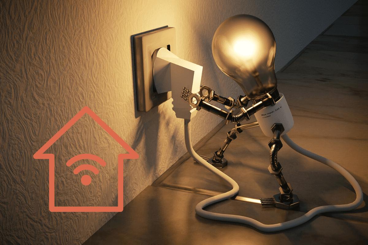 Smart Home Licht steuern mit Bild einer Glühbirne und eines Connected Home